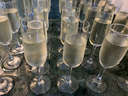 champage in flutes at the verandas